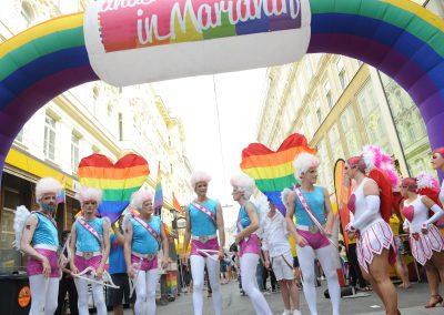 Straßenfest andersrum Les Schuh Schuh Bogen (c) Manfred Sebek
